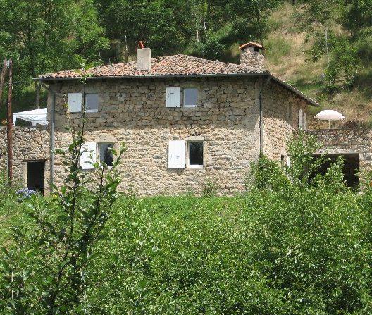 la première vue du grand gîte les Combes en Ardèche